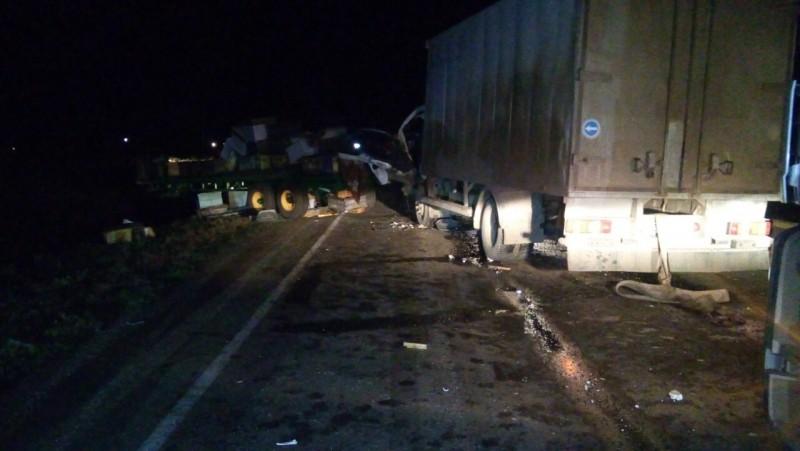 ДТП спострадавшими: наоренбургской трассе столкнулись трактор ифургон