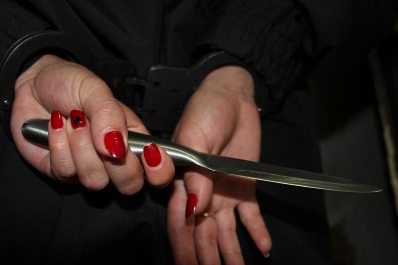 ВКваркенском районе женщина ранила полицейского