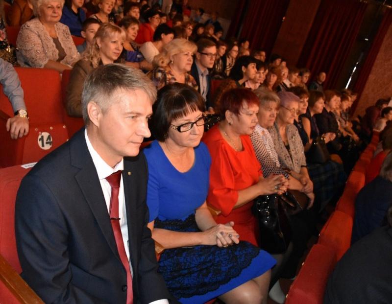Лучший педагог начальных классов Московской области работает вБалашихе