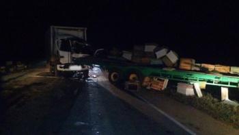 В Курманаевском районе столкнулись трактор и фургон: есть пострадавшие