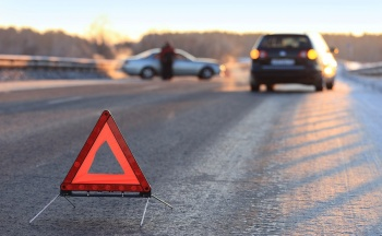 В Оренбургском районе столкнулись три автомобиля, один водитель погиб