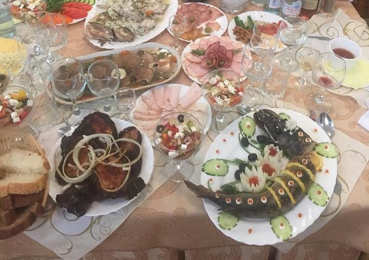 Фото дня: Обед Мацуева