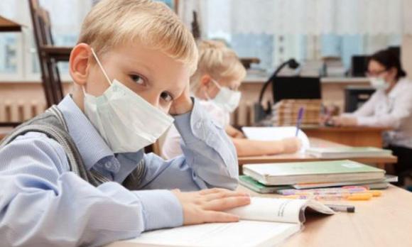 Без отдыха. Оренбургские школьники учатся в дистанционном режиме