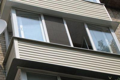 Пьяный орчанин упал с балкона на втором этаже
