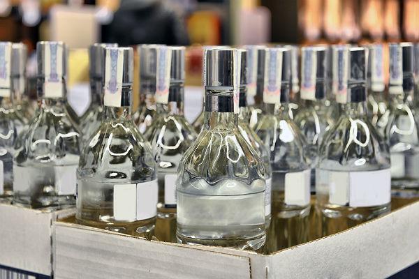 Орские полицейские изъяли более 1000 коробок элитного алкоголя