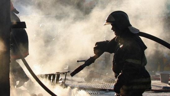 В Илекском районе мужчина поджег сарай, чтобы погреться