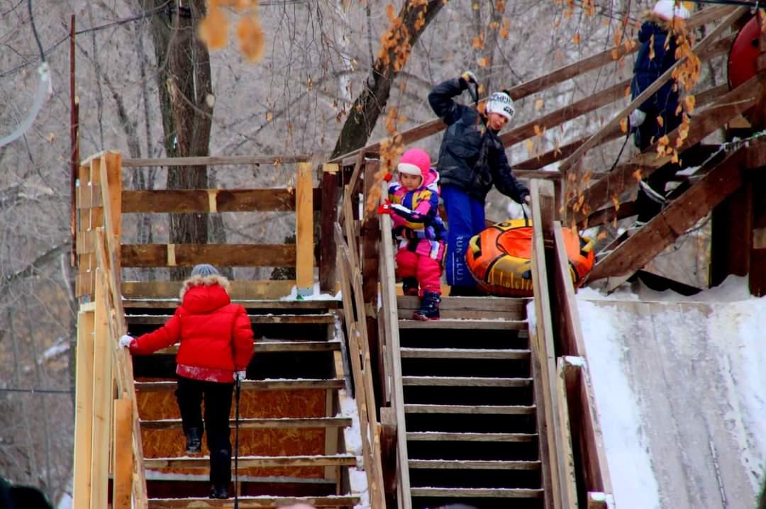 Зимние гуляния. Парк имени 50-летия СССР в фотографиях Жанны Валиевой