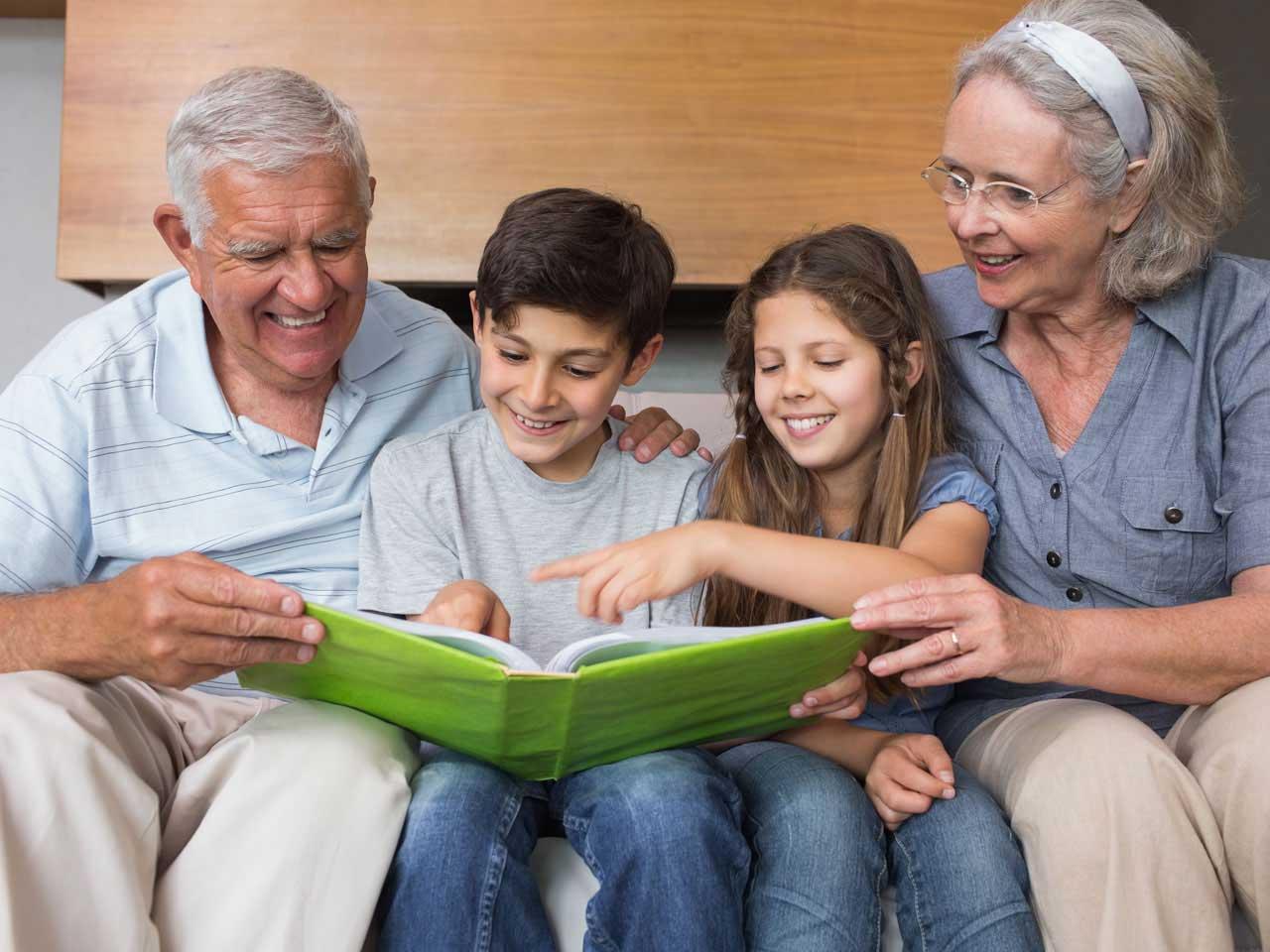 В посёлке Экодолье открылись курсы компьютерной грамотности для пенсионеров