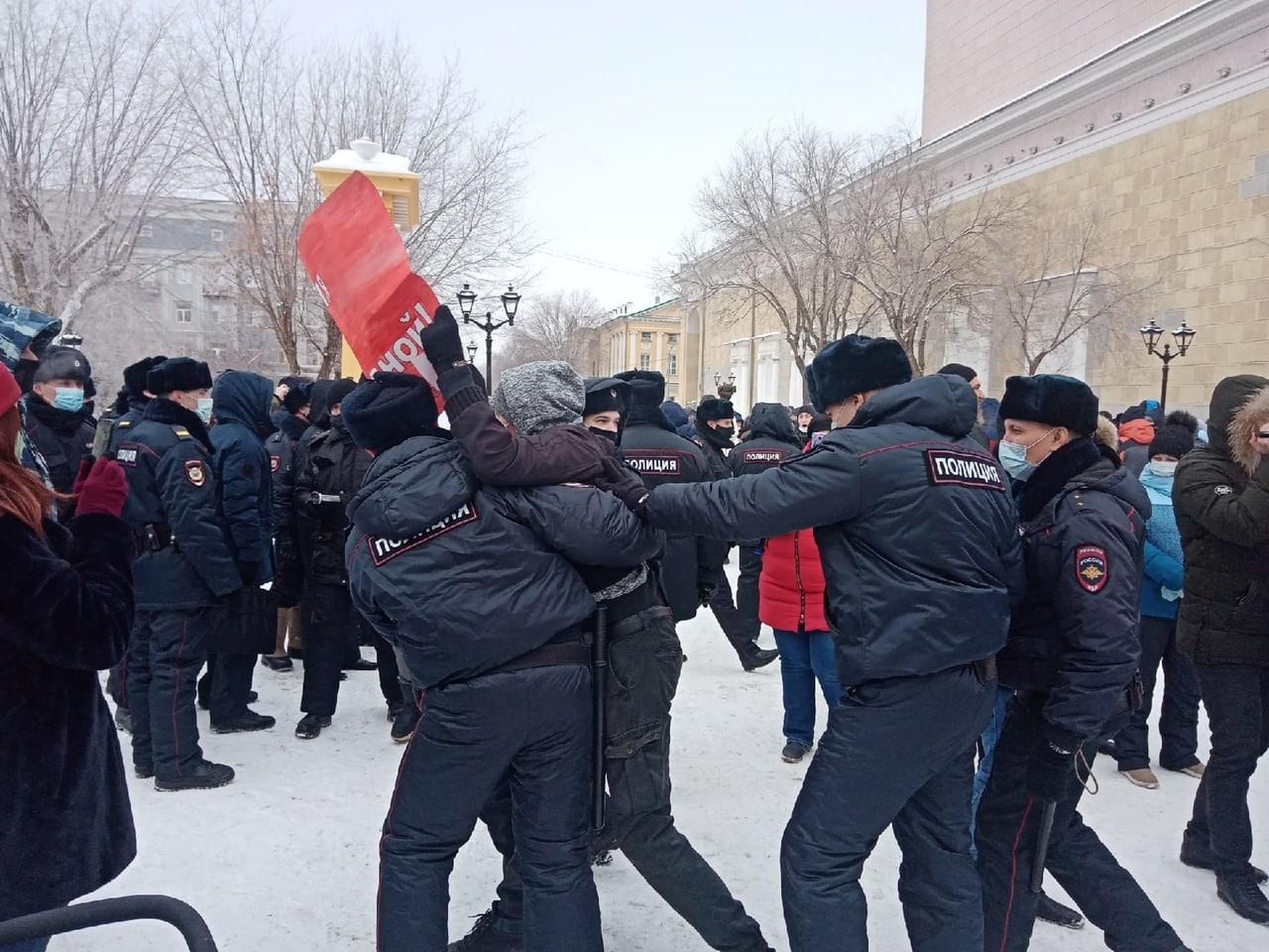 Суд признал действия полицейских во время митингов в Оренбурге незаконными