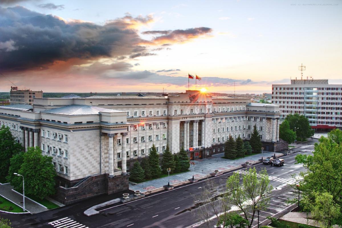 Экономист Александр Аузан предложил перенести столицу из Москвы в Оренбург